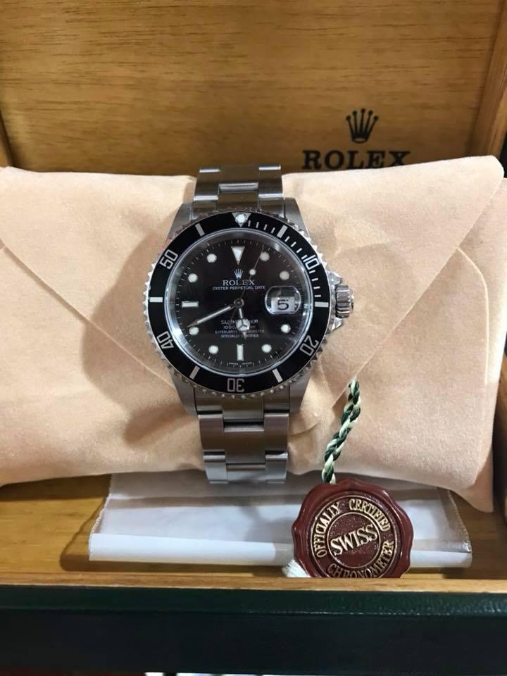 Rolex Submariner Date 16610 No Holes
